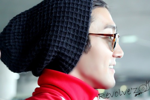 fuckyeahchoisiwon:  120827 Siwon at Incheon Airport cr: revolve'z | Do not modify the photo or use it for commercial purposes.