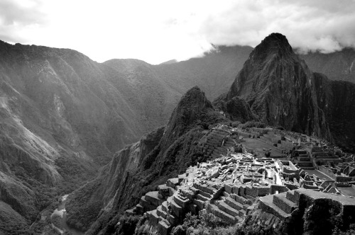 statravelus:  There is something undeniably magical about Machu Picchu.