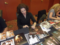 The one and only Heather Langenkamp signing our laserdisc copy of New Nightmare at Horrorhound Weekend. What a sweetheart.