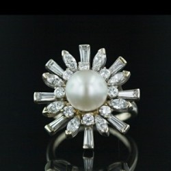 love this pearl ring!