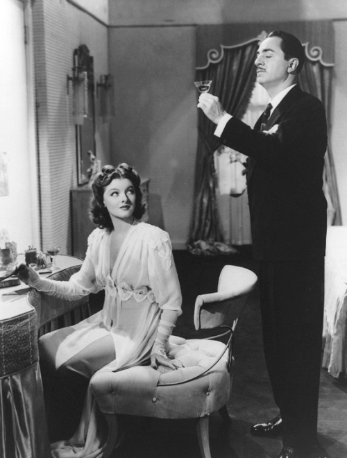 blondecrazydame:  Myrna Loy and William Powell in Shadow of the Thin Man (1941).
