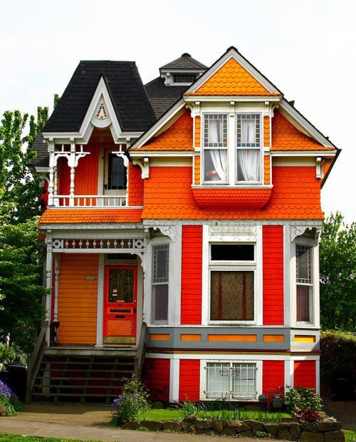 spookyhome:  (via Wall Photos)  I will have a colorful house one day. I don't want to have a bland, boring, full of different shades of beige house. If I ever do, someone please shoot me.