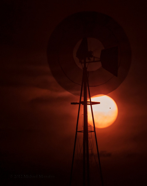 spacettf:  Spinning the 2012 Transit of Venus by Fort Photo on Flickr.
