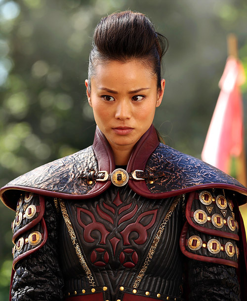 cinnamonbunza:   New still of Jamie Chung as Mulan (2x01 - Broken)  PSA: S1 is now on Netflix Instant if you wanna catch up.