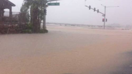 VIDEO: Heavy rain flooding parts of Las Vegas