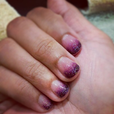 awesumness:  Faded. #nails #shellac (Taken with Instagram at L'mour Nail & Beauty Salon)