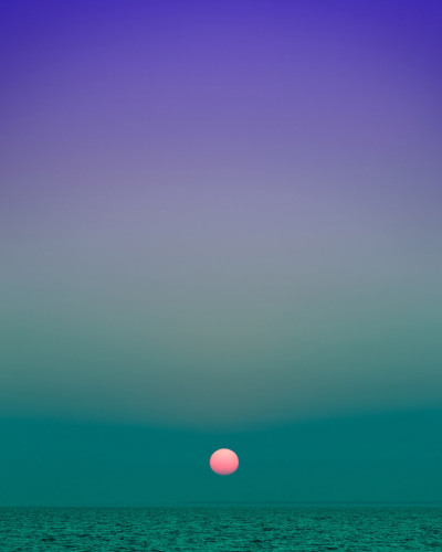 Eric Cahan: Sky Series New York base photographer Eric Cahan developed this incredible series of photos. Check out everything here. I've been using these as my iPhone wallpapers, switching them up every few days. Great looking stuff. Here's the video version of the project: