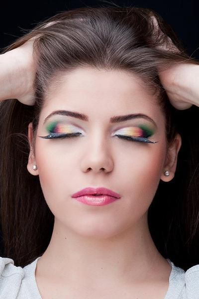 Colorful eyeshadow look on Bianca B.!