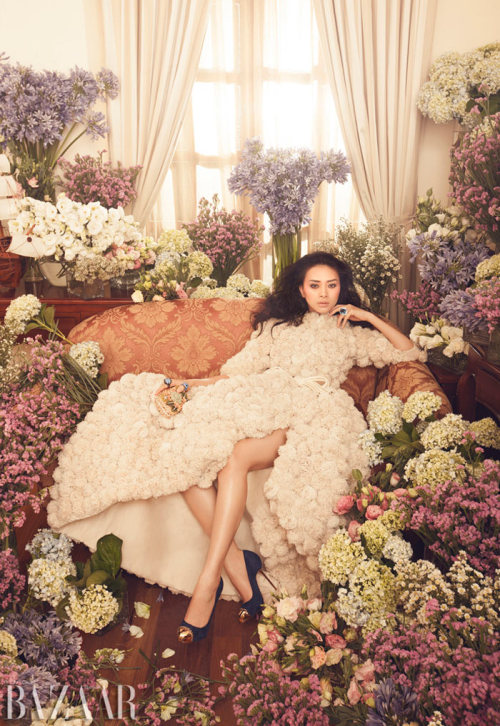 suicideblonde:  Ngo Thanh Van photographed by Zhang Jingna for Harper's Bazaar Vietnam, September 2012