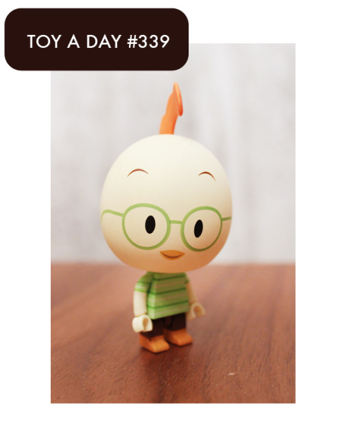 Disney's Chicken Little Oakey Oaks Character Eggs Chicken Little