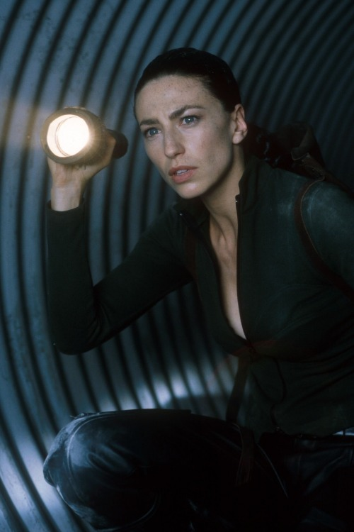 theunknownscaper:  Farscape - Suns and Lovers Claudia Black - Aeryn Sun
