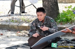 "inspiredkimjaeuck:  Military Drama ""March"" Shooting Scene 2012/09/10 10:55cr.http://demaclub.tistory.com/927"
