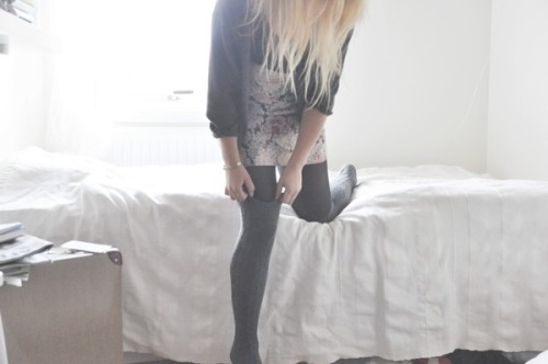 Bed,Blonde,Fashion,Girl,Leggings,Light,Room,