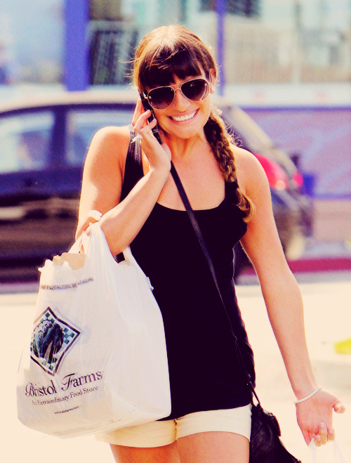 21/100 Pictures of Lea Michele