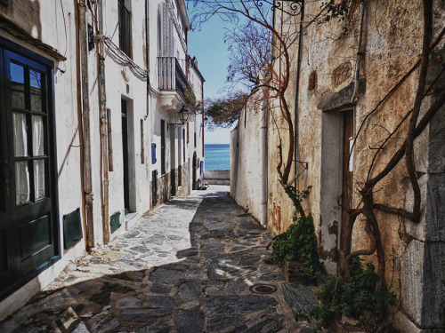 somedayillseetheworld:  Cadaquès, Catalonia, Spain (by Philippe Marquand)