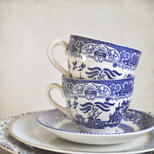 Blue and white stacked china (by FlossyRandle)