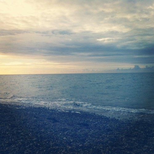 Beach morning. (Taken with Instagram)