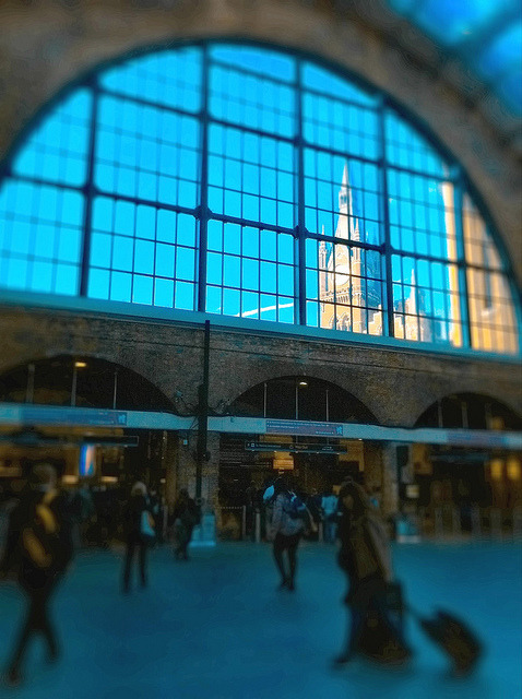 guardian:  Morning Tumblr! Photo: Laurabot_ (via Morning, Kings Cross | Flickr)  UGH. I want to go to there.