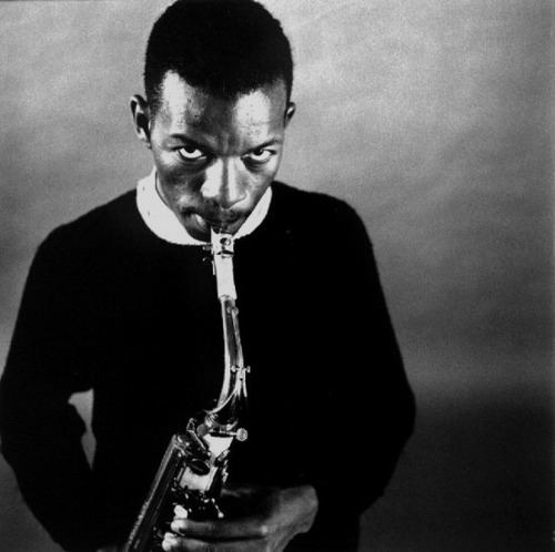 "REMIXED & RE-IMAGINED - Ornette Coleman's ""The Shape of Jazz to Come"" - Sept. 13th at CPH JAZZHOUSE 22.00-00.00. Colemans's timeless album will be interpreted by Thomas Knak, August Engkilde, Dodebum and me as part of Golden Days 2012 & Avantgarde Evenings. If you come at 8 pm you can also catch Søren Kjærgaard's tribute to John Cage.  Schedule: 20.00 Suddenly, Silence: An Evening of John Cage – feat. Søren Kjærgaard Ensemble 22.00 Dodebum: ""Lonely Woman""  22.15 Rumpistol: ""Peace"" 22.30 August Engkilde: ""Focus on Sanity"" 22.45 Thomas Knak: ""Chronology"" 23:00 Break 23:15 Improvisation (Thomas Knak, Rumpistol, Dodebum & August Engkilde together) 00:00 Finish Links:  http://www.jazzhouse.dk/jazzklub/ornette-coleman http://www.facebook.com/events/279877368779339 http://www.jazzhouse.dk/jazzklub/s%C3%B8ren-kj%C3%A6rgaard-ensemble"