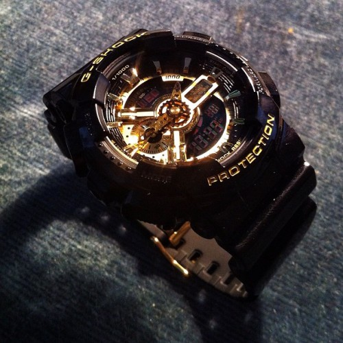 A new time in the hood 😉 #clock #gshock #blackgold #digital #analog #casio #special #edition #time #watch #iphone4 #iphoneonly   (Taken with Instagram)