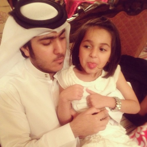 Abdulaziz and Dana *_* #amazing #cute #hair #grandmashouse #girl #nice #boy #iphone #instadaily #instagram #thoub #3gal #qatar #black #wow #white  (Taken with Instagram)