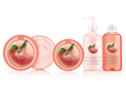 PICK OF THE CROP Introducing special edition Vineyard Peach collection. Available as Body Butter, Body Scrub, Shower Gel and Body Lotion, the collection is a heavenly combination of intense fragrance, luscious texture and velvety smoothness. With 24 hours of thirst-quenching moisture and bursting with precious peach kernel oil – you'll be staying peachy soft all day. Like all our products they contain heart inside – nine different Community Fair Trade ingredients in addition to being cruelty-free and 100% vegetarian.