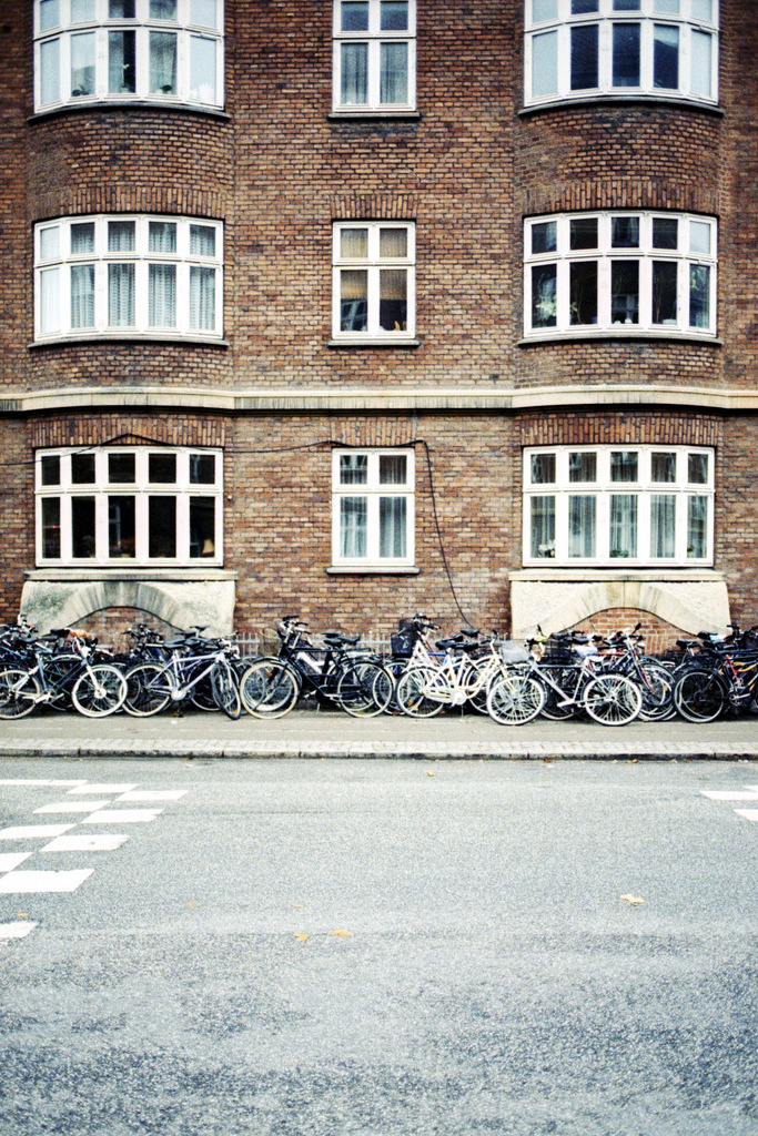 theworldwelivein:  You could say Copenhagen has a bike problem (by The Hamster Factor)  Only if Americans could take on the concept….