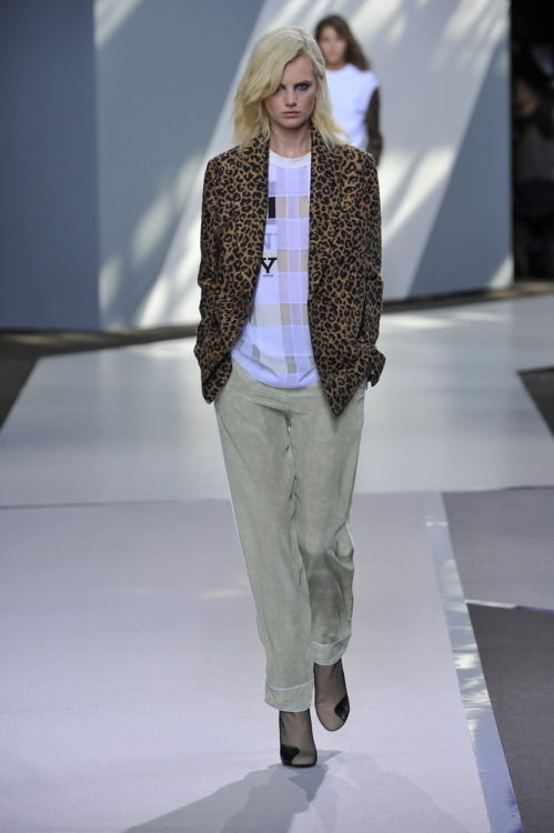 i-donline:  Phillip Lim. New York, 10/09/12  New York cool collided with the streets of London at Phillip Lim's decidedly more streetwear collection. Styling tick.  See all of our New York womenswear (SS13) coverage here. i-Donline.com