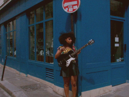 http://www.youtube.com/watch?v=w3dhzCF4NGc LIANNE LA HAVAS - AUGUST 2012 - PARIS