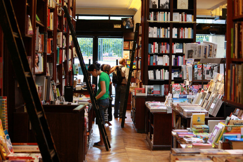 literatureismyutopia:  Bookstore by hlebobulo4ka on Flickr.