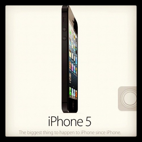 4-inch retina display. iOS6. A6 Chip. Longer battery life. #iphone5 (Taken with Instagram)