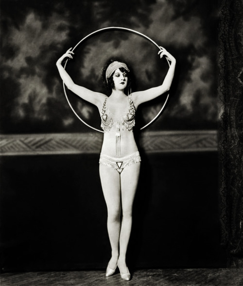 vintagegal:  Ziegfeld Follies dancer, Katherine Burke by Alfred Cheney Johnston, 1928