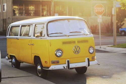 reetroo:  Yellow campervan