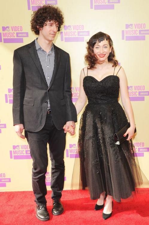 reginaholic:  Newlyweds Regina Spektor and Jack Dishel at MTV's Video Music Awards