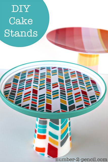 kraftykristin:  DIY cake stand from plastic plates and cups! (via no. 2 pencil: DIY Cake Stands)