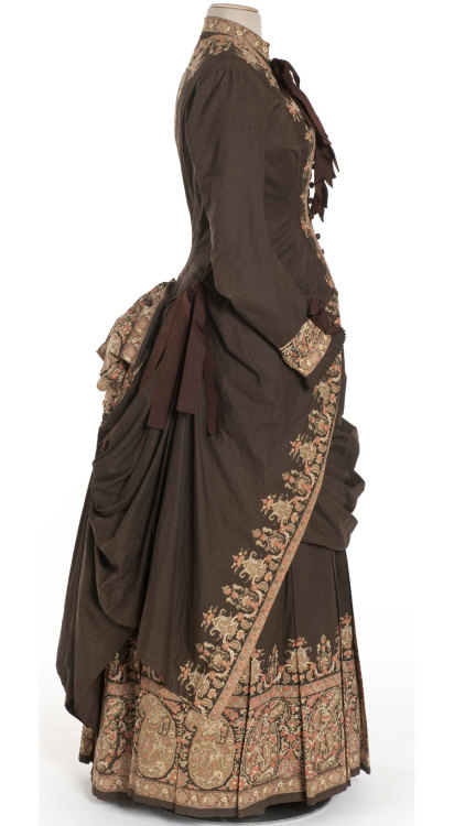 omgthatdress:  Dress 1885 Les Arts Décoratifs
