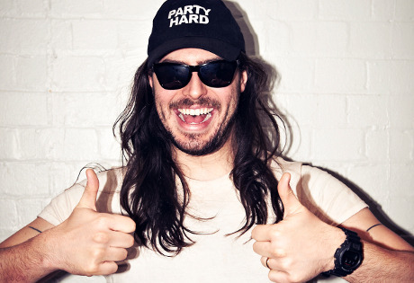 andrewwk:  PARTY HARD!