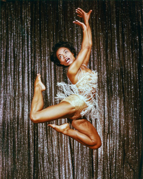 vintagegal:  Eartha Kitt performing in Las Vegas, 1955