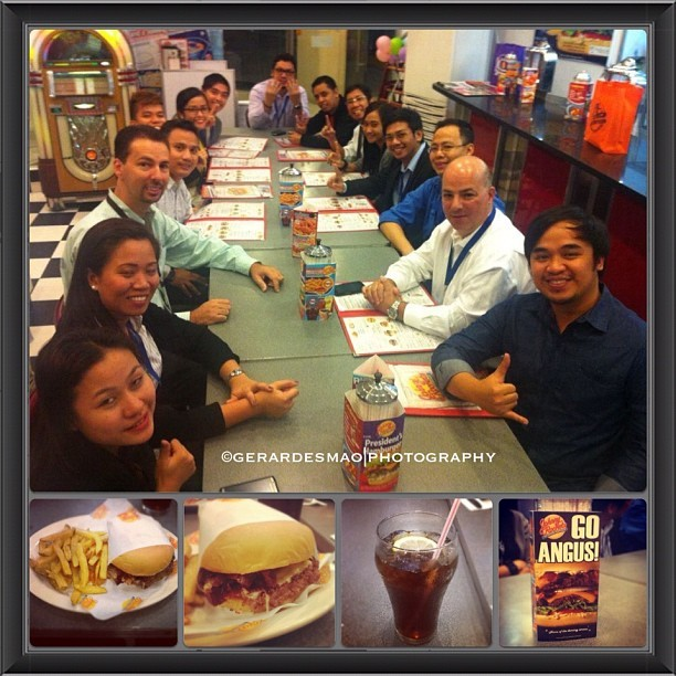 Johnny Rockets with NationsHealth Bosses and Top Agents., #HamBurger #Fries #JohnnyRockets #Boss #Food #GlobalCity #officemates #Work #Happiness #Lunch #TopAgents #manila #Igmanila #IgPhilippines #instapic #Instapad #Instagood #Instagram #Instafood #Manila #Philippines#Picoftheday #2012 #pinas  (Taken with Instagram at Johnny Rockets)