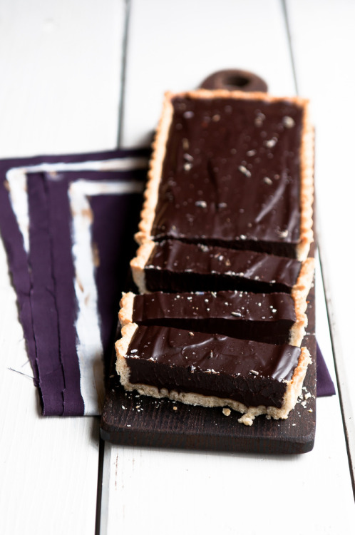neekaisweird:  Lavender Dark Chocolate Tart (by stephsus)