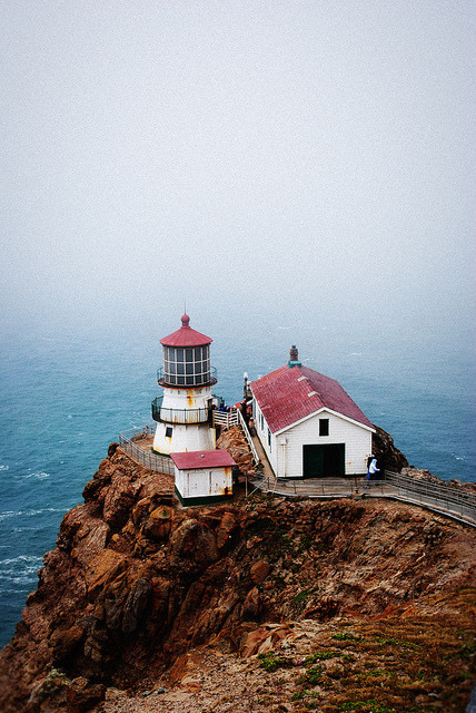 thedaintysquid:  Lighthouse  by LisaW123 on Flickr.