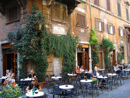 connoisseursoflife:  Italian cafe
