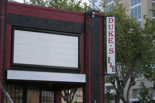 Breaking News: Recently launched open mic at Duke's R&B/201 Broadway in Oakland is canceled. The venue is closing immediately. Thank you.