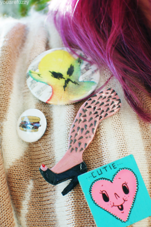 pussy-punx:  youarefuzzy:  glorious pins alien pin by ginette lapalme hamburger pin from the oinkster (a restaurant) hairy leg pin by gracelizabetty cutie pin by natasha lillipore  omg