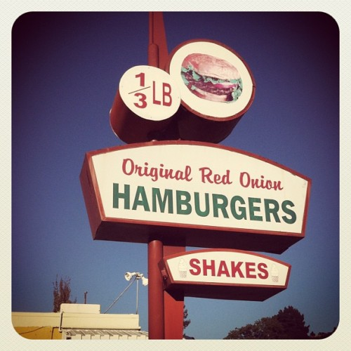 This is where to go for a good ass burger. #delicious #cheeseburger #cali #red #onion  (Taken with Instagram)
