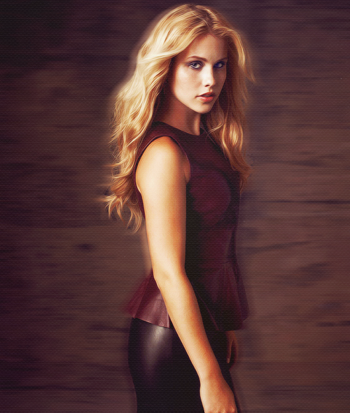 78/100 pictures of Claire Holt