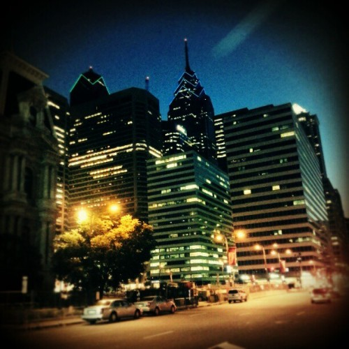 NightLife-Philadelphia #city #night #home #eastcoast #pa #buildings #tall #big #lights #igdaily #instagood #instamood #instagramers  (Taken with Instagram)