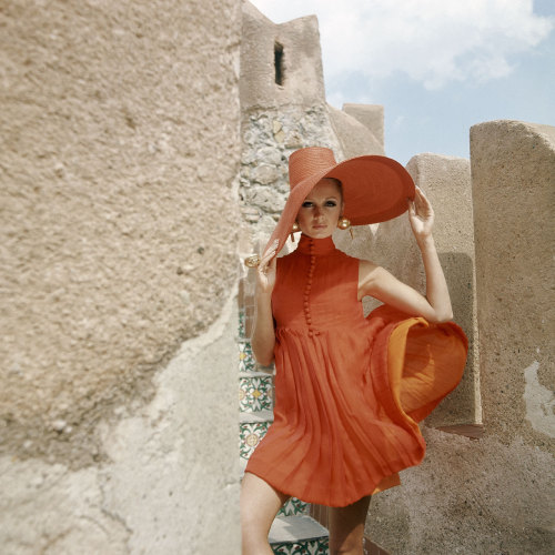 vogueaustralia:  From the Vogue archive: A 1960s Vogue summer look from Palermo, Italy #vogue365