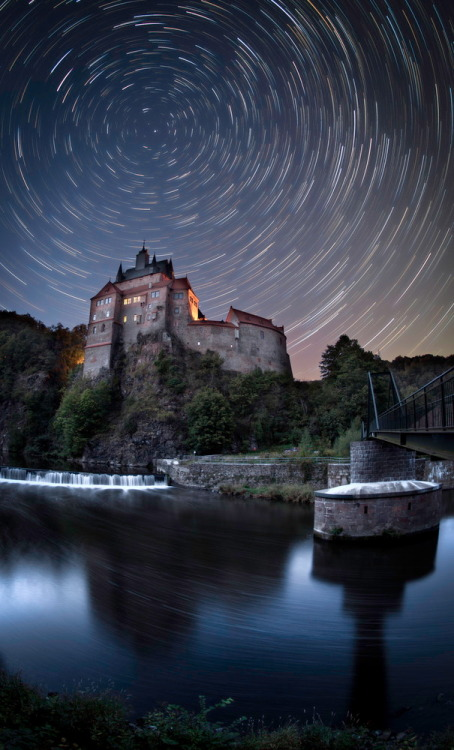 ikenbot:  Startrails over Castle Kriebstein in Saxony, Germany