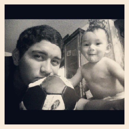 Stole it from @vageyenaaaaaa and my baby boy (: #babyboy #myson #blackandwhite #instaphoto #igdaily #cutiepie #librito #lovethem  (Taken with Instagram)